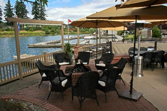 Oswego Lakehouse Llc - Restaurants - 40 N State St, Lake Oswego, OR, United States