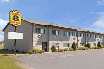 Super 8 Motel - Hotels/Accommodations - 1561 Dorset Ln, New Richmond, WI, United States