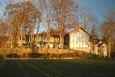 The Inn At Crestwood - Hotels/Accommodations, Ceremony Sites, Reception Sites - 3236 Shulls Mill Rd, Boone, NC, 28607