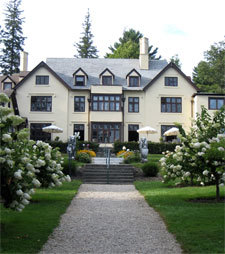 Seven Hills Inn - Hotels/Accommodations, Reception Sites, Ceremony Sites - 40 Plunkett Street, Lenox, MA, United States