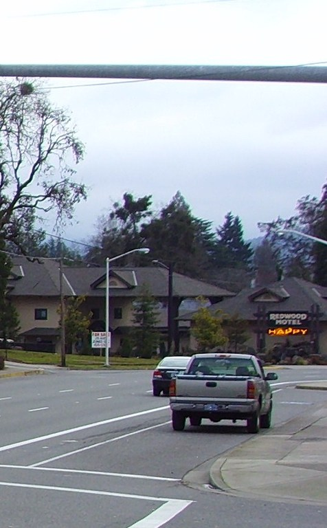 Redwood Motel - Hotels/Accommodations - 815 NE 6th St, Grants Pass, OR, 97526