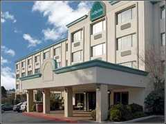 La Quinta at Bellevue/Kirkland - Hotel - 10530 Northup Way, Kirkland, WA, 98033