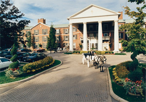 Queen's Landing Hotel - Hotels/Accommodations, Ceremony Sites, Reception Sites - 155 Byron St, Niagara-ON-the-Lake, ON, Canada