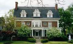 Emery House Bed and Breakfast - Hotel - 446 West Webster Avenue, Muskegon, MI, United States