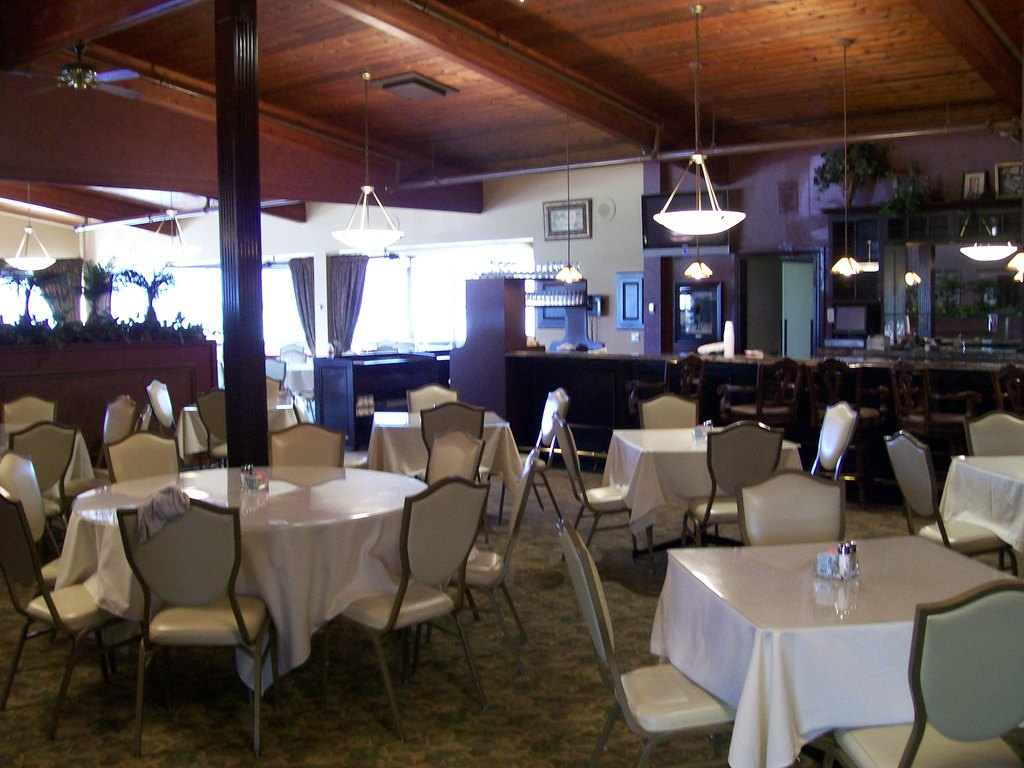 Burning Tree Country Club - Reception Sites, Ceremony Sites - 22871 21 Mile Rd, Macomb, MI, 48044