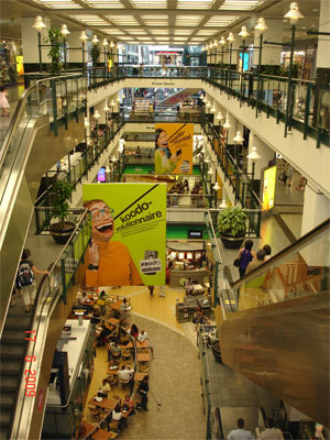 Eaton Shopping Center - Restaurants, Attractions/Entertainment, Shopping - Bureau 4-123, 705 rue Sainte-Catherine Ouest, Montréal, QC, Canada
