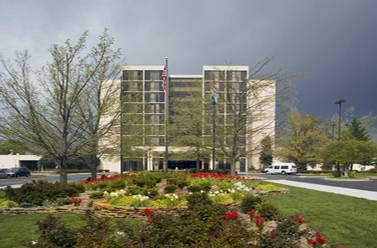 University Plaza Hotel & Convention Center - Hotels/Accommodations, Reception Sites, Attractions/Entertainment - 333 S John Q Hammons Pkwy, Springfield, MO, 65806, US