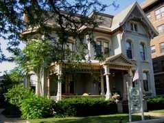 Kalamazoo House Bed & Breakfast - Hotel - 447 W. South Street, Kalamazoo, MI, United States