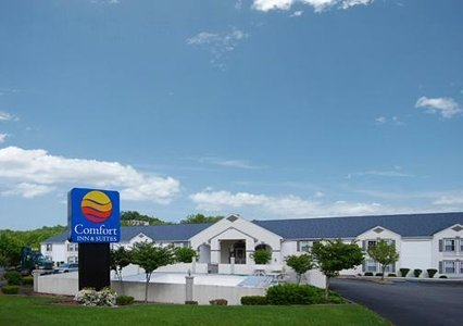 Comfort Inn & Suites - Hotels/Accommodations - 1185 Airport Rd, Fairmont, WV, United States