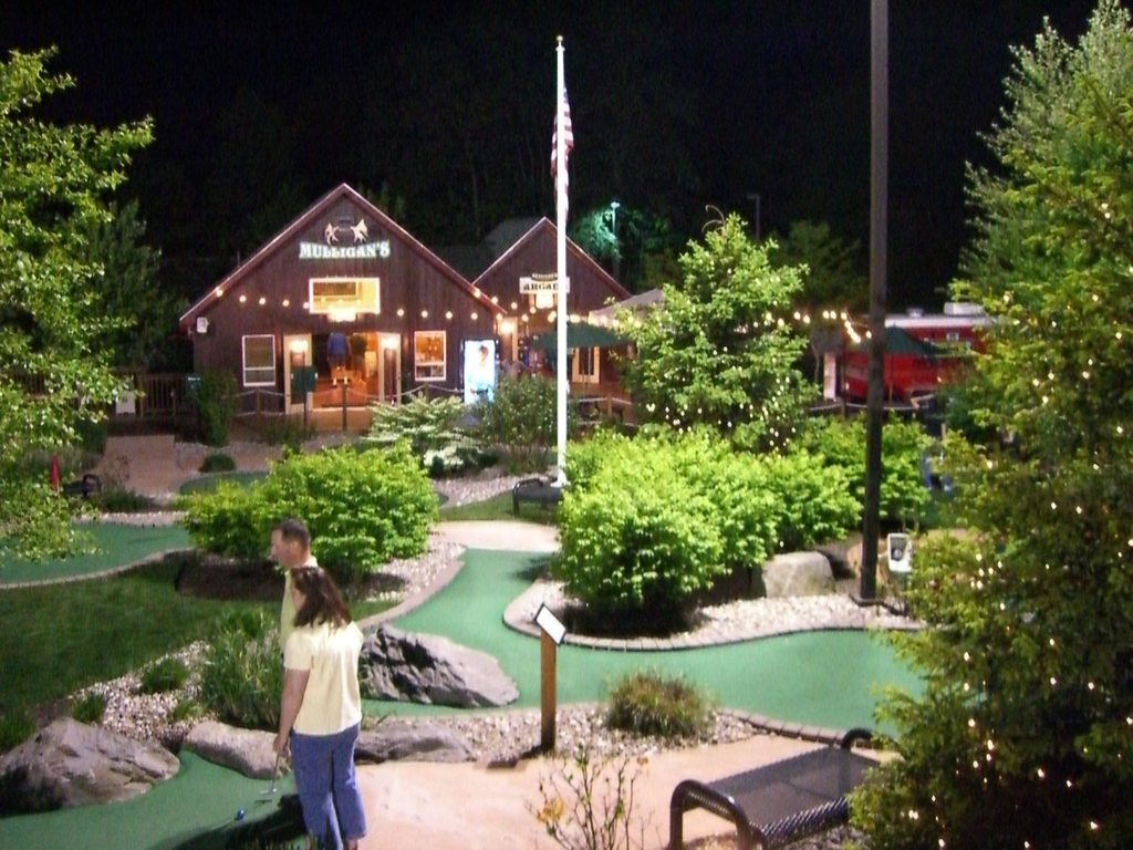 Mulligan's Miniature Golf - Golf Courses - 124 Leominster Road, Sterling, MA, United States