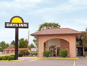 Days Inn Richland - Hotels/Accommodations - 615 Jadwin Avenue, Richland, WA, United States