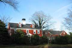 The Coonamessett Inn - Hotel - 311 Gifford Street, Falmouth, MA