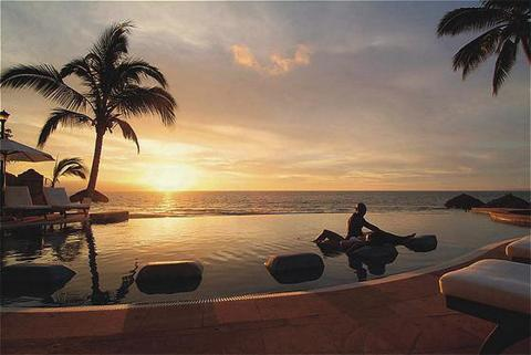 Dreams Puerto Vallarta Resort &amp; Spa - Ceremony Sites, Hotels/Accommodations - Puerto Vallarta, Jal, Mexico