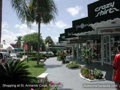 St. Armands Circle - Attraction - St. Armands Cir, Sarasota, Florida, US