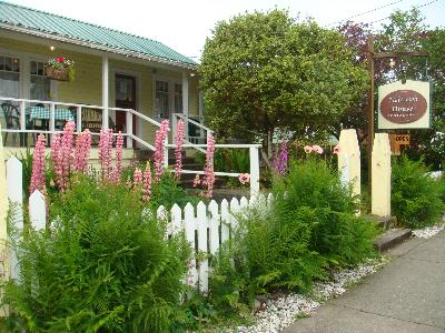 Matterson House - Restaurants - 1682 Peninsula Road, Ucluelet, BC, Canada