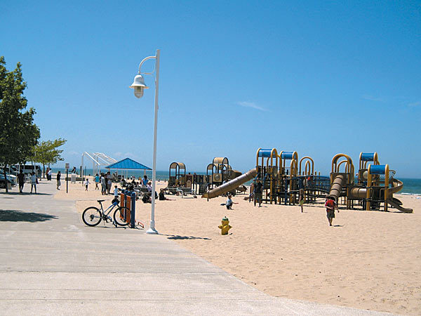 Silver Beach County Park - Beaches, Attractions/Entertainment - 101 Broad Street, Saint Joseph, MI, United States