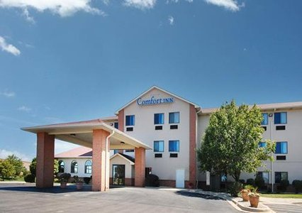 Comfort Inn - Hotels/Accommodations - 1235 Lakeview Dr, Romeoville, IL, 60446