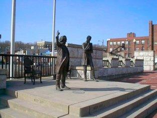 Lincoln Douglas Square - Attractions/Entertainment - E Broadway & Market St, Alton, IL, 62002