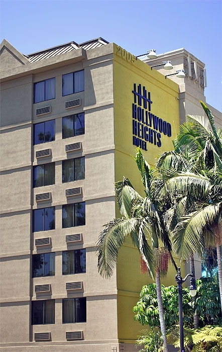 Hollywood Heights Hotel - Hotels/Accommodations - 2005 N Highland Ave, Los Angeles, CA, 90068