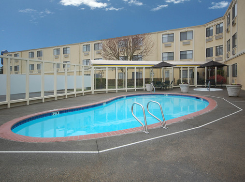 Best Western Park Plaza - Hotels/Accommodations - 620 South Hill Park Drive, Puyallup, WA, United States
