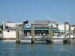 Finz Grill & Bar - Local Bar - 330 Front St, Beaufort, NC, 28516
