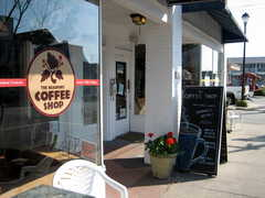 Cru Wine Bar & Coffee Shop - Coffee shop - 120 Turner Street, Beaufort, NC, United States