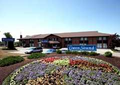 Travelodge - Hotel - 10th St E, Owen Sound, ON, N4K 1T2, Canada