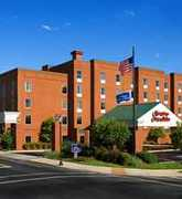 Hampton Inn & Suites - Hotels - 900 W. Main, Charlottesville, VA, USA