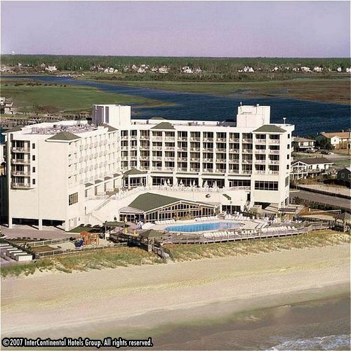 Holiday Inn Sunspree Resort - Hotels/Accommodations, Brunch/Lunch, Restaurants, Reception Sites - 1706 N Lumina Ave, Wrightsville Beach, NC, 28480