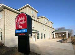 Rodeway Inn - Hotel - 1511 Okoboji Ave, Miford, Iowa, 51351, USA