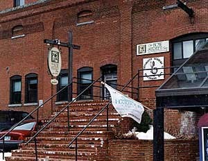 Bow Street Inn - Hotels/Accommodations - 121 Bow St, Portsmouth, NH, 03801, US