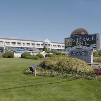Anchorage Inn - Hotels/Accommodations - 265 Long Beach Avenue, York Beach, ME, United States
