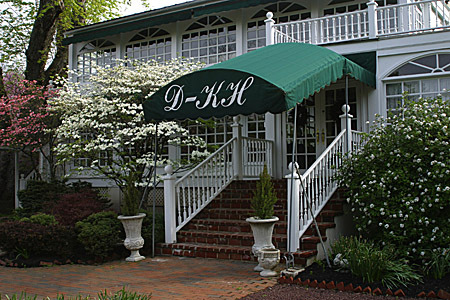 The Duling Kurtz House & Country Inn - Restaurants - 146 S Whitford Rd, Exton, PA, 19341, US