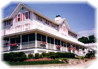 Harbor House Inn - Hotels/Accommodations, Reception Sites - 114 S Harbor Dr, Grand Haven, MI, 49417, US