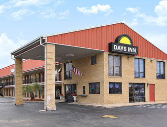 Days Inn Lake City, Sc - Hotels/Accommodations - 170 S Ron McNair Blvd, Lake City, SC, 29560, US