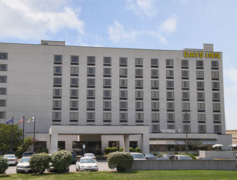 Days Inn Downtown Grand Rapids - Hotels/Accommodations - 310 Pearl Street, NW, Grand Rapids, MI, USA