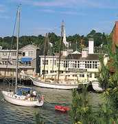 Steamboat Inn - Hotels - 39 W Main St, Groton, CT, United States