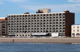 Barclay Towers - Reception Sites, Ceremony Sites, Hotels/Accommodations - 809 Atlantic Ave, Virginia Beach, VA, 23451, US