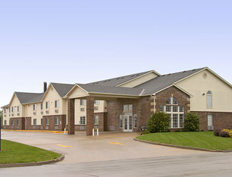 Super 8 - Hotels/Accommodations - 210 S Platte Clay Way, Kearney, MO, 64060, US