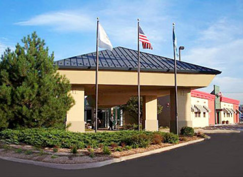 Holiday Inn - Hotels/Accommodations, Reception Sites - 1000 Busse Road, Elk Grove Village, IL, United States