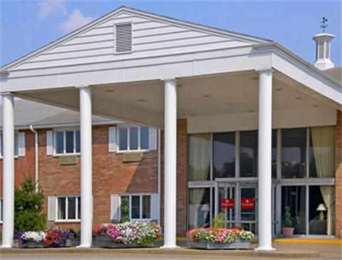 Ramada Inn - Hotels/Accommodations - 1170 West Chestnut Street, Washington, PA, United States