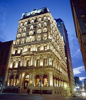 Hôtel Le St-james - Hotels/Accommodations - 355 rue Mc Gill, Montreal, QC, Canada