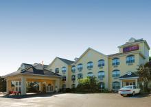 Comfort Suites - Hotels/Accommodations - 2463 U.S. 41, Marquette, MI, United States