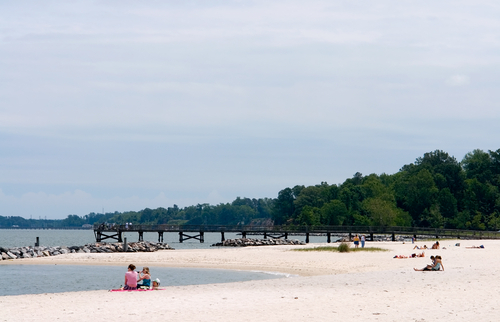 Yorktown Beach - Restaurants, Attractions/Entertainment, Ceremony Sites - 425 Water St, Yorktown, VA, 23690