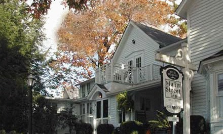4-1/2 Street Inn - Hotels/Accommodations - 55 4 1/2 St, Highlands, NC, United States