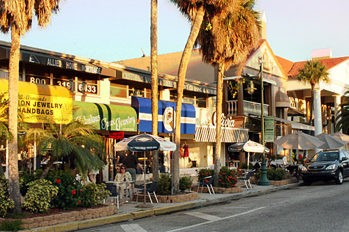 St. Armands Circle - Attractions/Entertainment, Restaurants, Ceremony Sites - St. Armands Cir, Sarasota, Florida, US