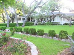 Green Pasture Investment Inc - Restaurant - 901 W Live Oak St, Austin, TX, United States