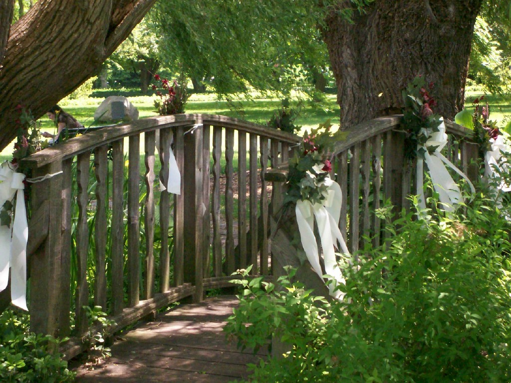 Botanical Gardens Willow Pond - Ceremony Sites - 2565 Niagara Pkwy, Niagara Falls, ON