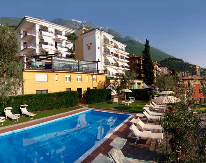 Hotel Capri - Hotels/Accommodations - Via Panoramica