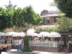 The Ivy - Restaurant - 113 N Robertson Blvd, Los Angeles, CA, United States